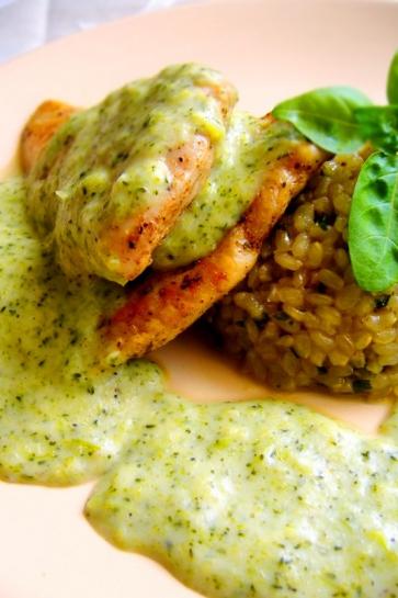 0027. Grilované kuracie prsia s brokolicovou omáčkou a ryžou natural_02