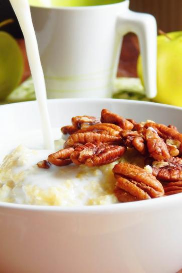 0473. Pšenový puding s pekanovými orechmi a jabĺčkom_03