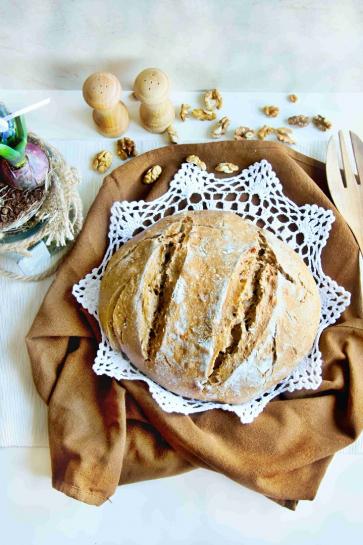 0605. Pravý kváskový chlieb so sušenými paradajkami a vlašskými orechmi_03