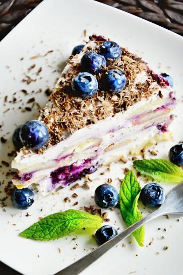 0726. Tvarohová torta s celozrnnými piškotami a lesným ovocím_01